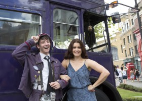 Bellamy Young Visits The Wizarding World of Harry Potter – Diagon Alley at Universal Orlando